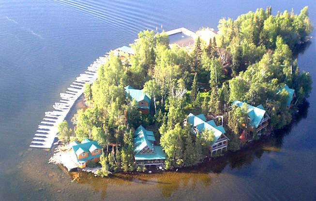 Canada 39 s top rated fishing lodge for Best canadian fishing lodges